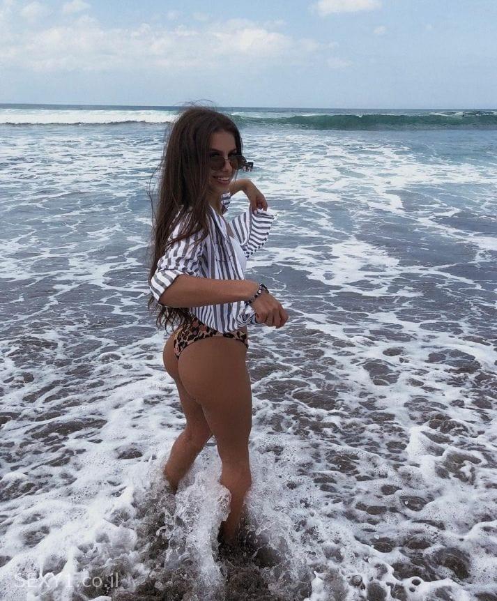 אילנה בת 19