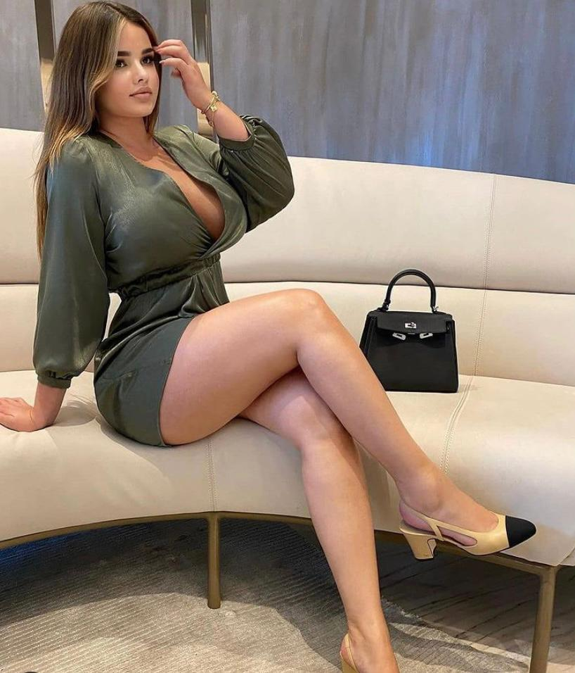 סקסית עם חזה גדול בתל אביב