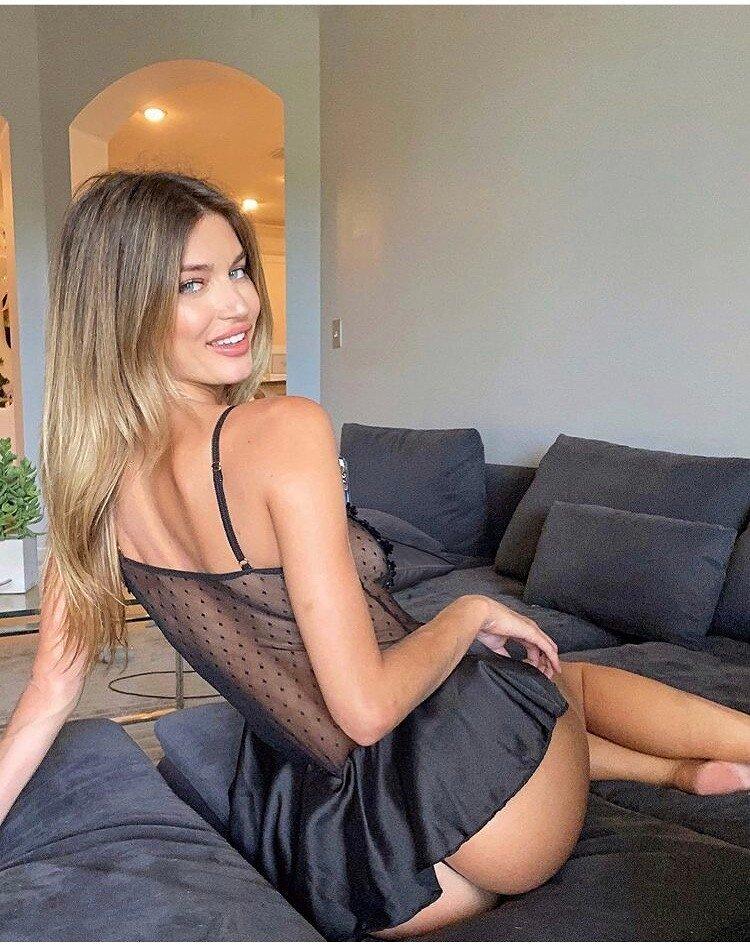 מאי – הבחורה הכי יפה נחתה בחיפה